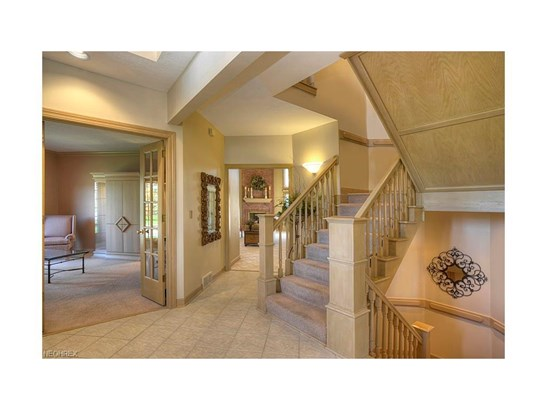 9251 Province Ln, Brecksville, OH - USA (photo 2)