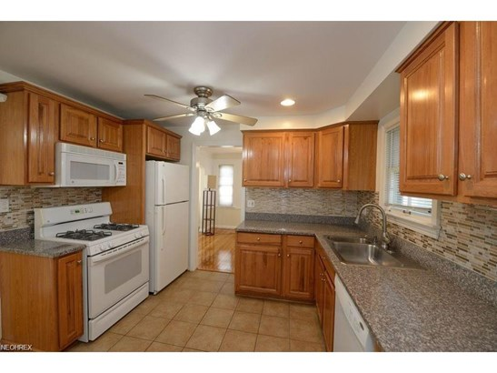 4883 Westbourne Rd, Lyndhurst, OH - USA (photo 2)