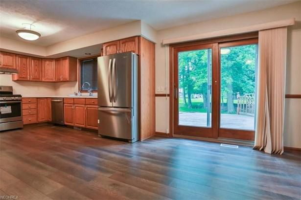 502 Longspur Rd, Highland Heights, OH - USA (photo 2)