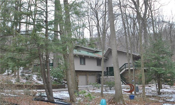940 Rocky Ridge Dr, Akron, OH - USA (photo 1)
