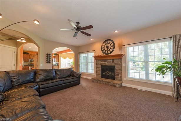10601 Nobhill Ln, Concord, OH - USA (photo 2)