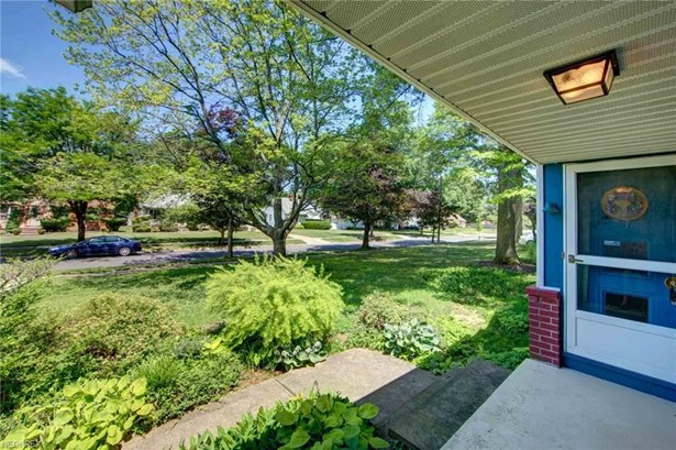 3672 Brinkmore Rd, Cleveland Heights, OH - USA (photo 3)
