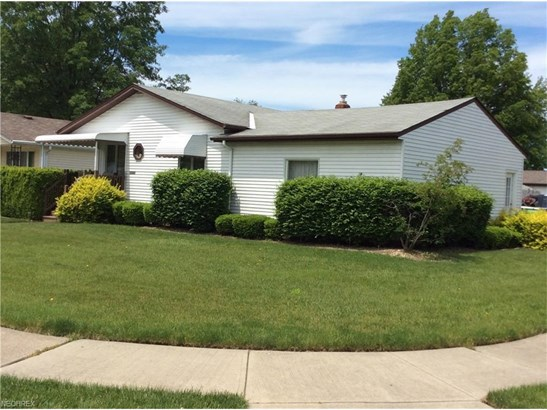 30325 Twin Lakes Dr, Wickliffe, OH - USA (photo 1)