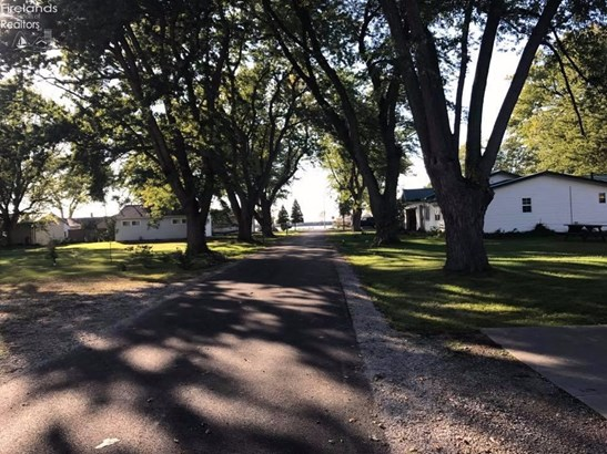 118 West Algonquin Trail, Sandusky, OH - USA (photo 3)