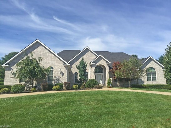 7404 Cherry Hill Ln, Broadview Heights, OH - USA (photo 1)