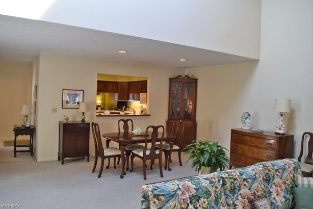 338 Thistle Trl 338, Mayfield Heights, OH - USA (photo 5)