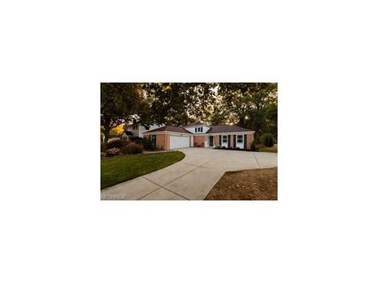 581 Wildbrook, Bay Village, OH - USA (photo 1)