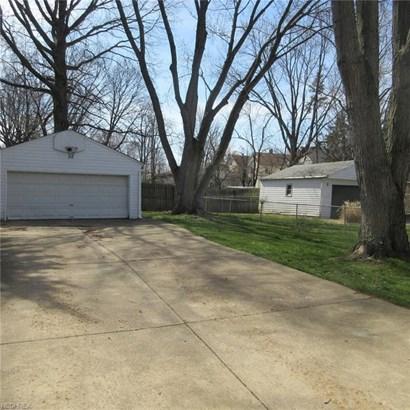 15717 Lydian Ave, Cleveland, OH - USA (photo 2)