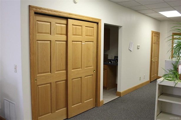 2390 North Forest Road, Amherst, NY - USA (photo 5)