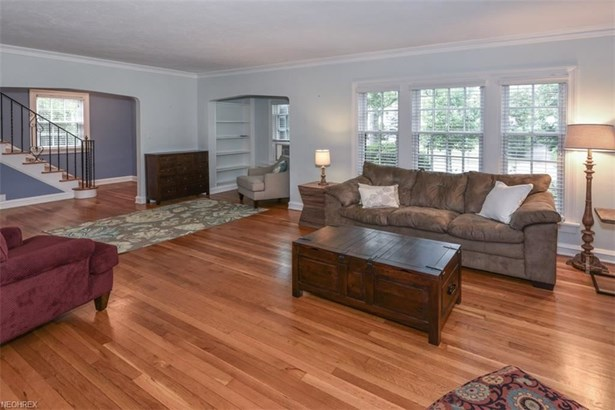 3329 Chalfant Rd, Shaker Heights, OH - USA (photo 5)