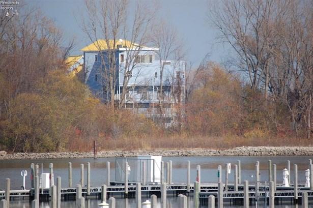 400 Swartz Lane 205, Middle Bass, OH - USA (photo 5)