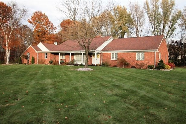 3418 Fisher Dr, Castle, PA - USA (photo 2)
