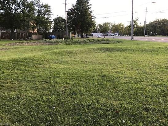 36292 Lake Shore Blvd, Eastlake, OH - USA (photo 1)