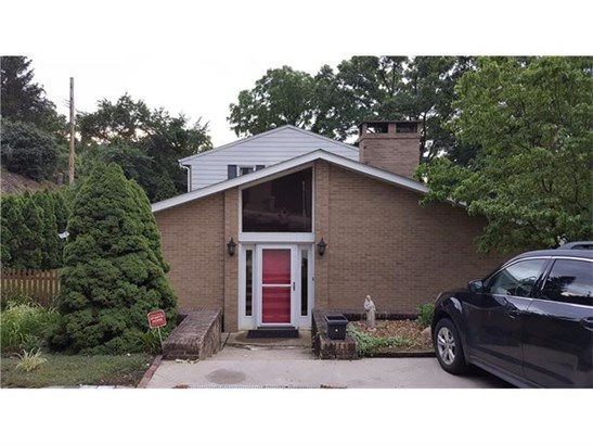 2122 Kansas Ave, White Oak, PA - USA (photo 2)