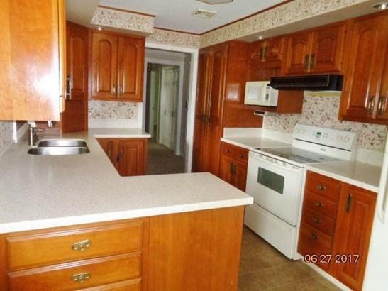 13976 Highland Avenue, Gowanda, NY - USA (photo 5)