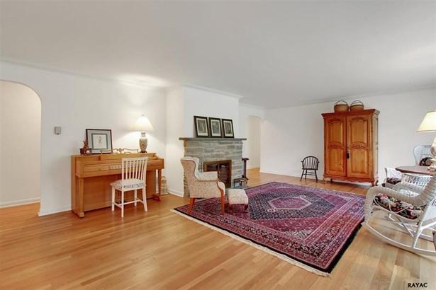 1525 Rosewood Ln, York, PA - USA (photo 3)