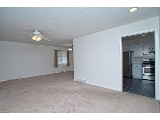 6444 Brookhill Dr, Garfield Heights, OH - USA (photo 4)