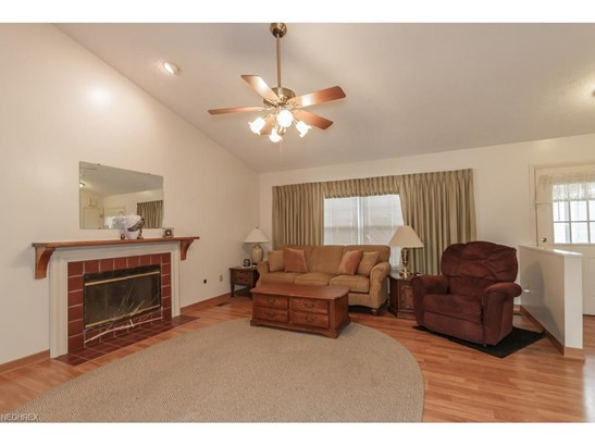 457 Oak Hollow Dr, Madison, OH - USA (photo 2)