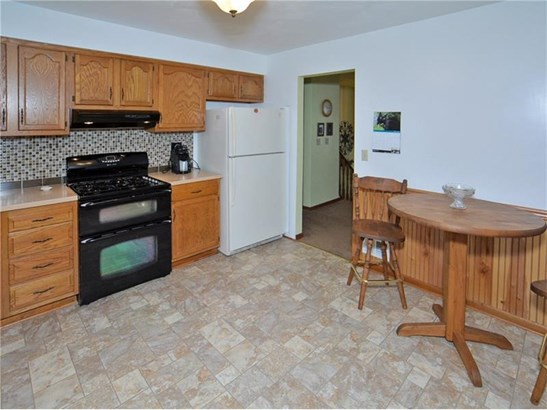 302 Skyview Dr, Jeannette, PA - USA (photo 3)