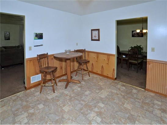 302 Skyview Dr, Jeannette, PA - USA (photo 4)