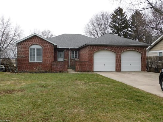 25800 Kennedy Ridge Rd, North Olmsted, OH - USA (photo 1)