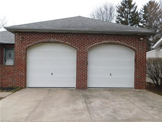 25800 Kennedy Ridge Rd, North Olmsted, OH - USA (photo 3)