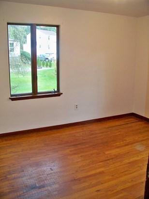 first floor second bedroom!!! (photo 4)