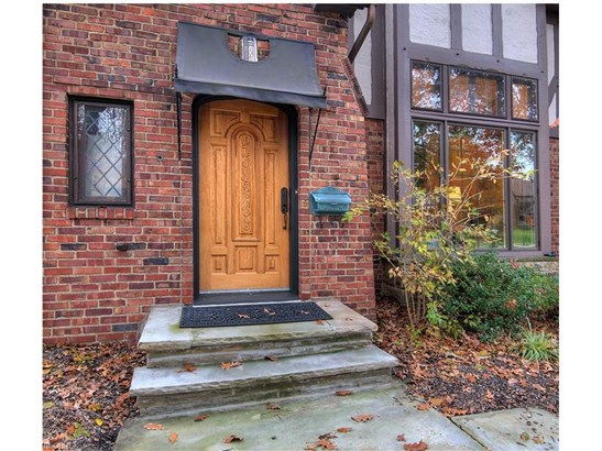 2571 Ashurst Rd, University Heights, OH - USA (photo 3)
