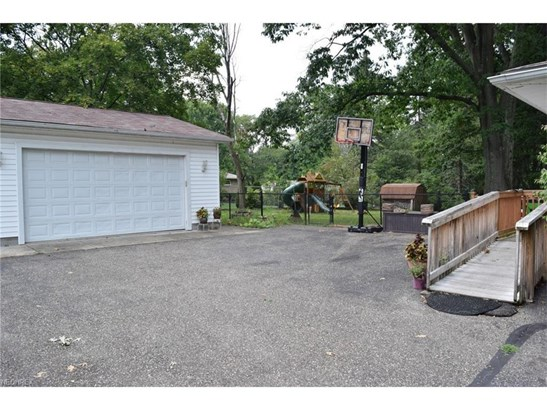 3800 Kauffman Rd, Stow, OH - USA (photo 2)