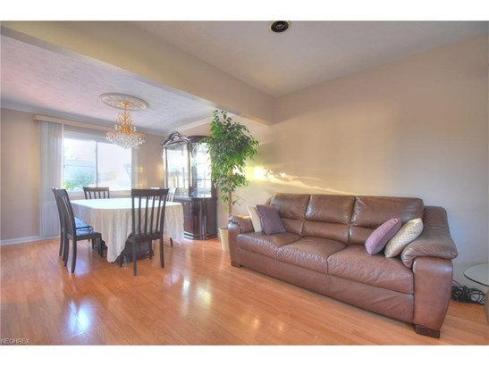 1548 Fruitland Ave, Mayfield Heights, OH - USA (photo 2)