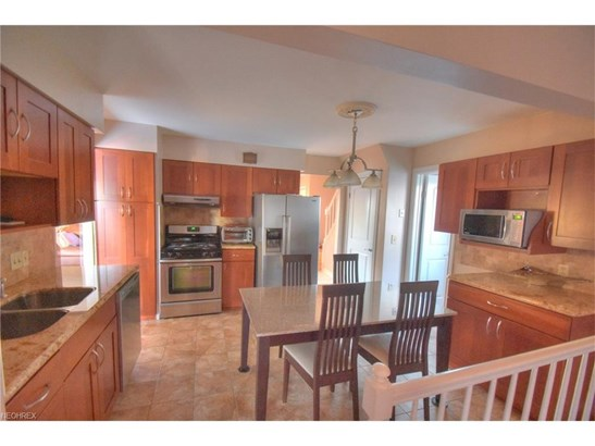 1548 Fruitland Ave, Mayfield Heights, OH - USA (photo 5)