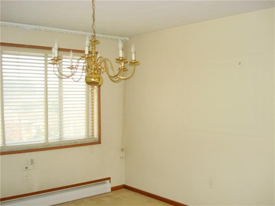 1417 Magnolia Drive, Castle Shannon, PA - USA (photo 5)