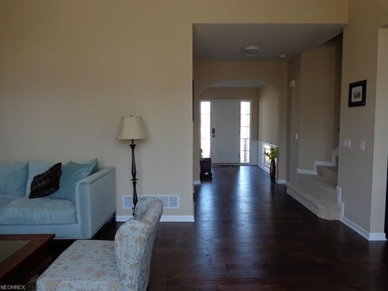 9505 North Bexley Dr, Strongsville, OH - USA (photo 4)