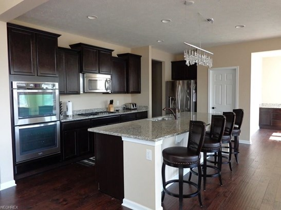 9505 North Bexley Dr, Strongsville, OH - USA (photo 5)