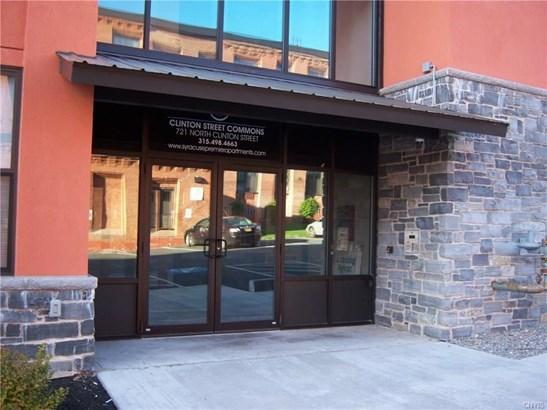 721 North Clinton Street, Syracuse, NY - USA (photo 2)