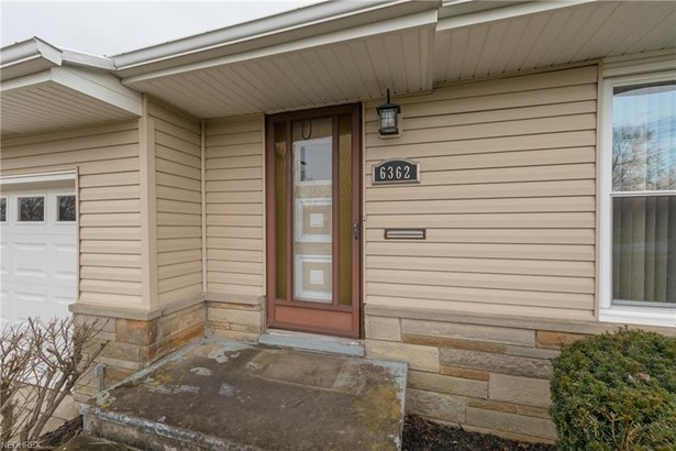6362 Fairhaven Rd, Mayfield Heights, OH - USA (photo 2)