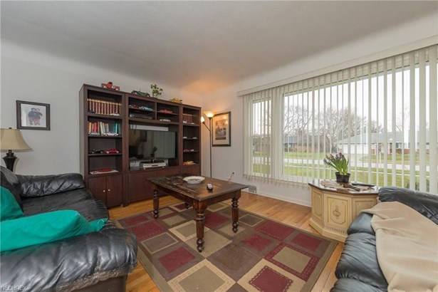 6362 Fairhaven Rd, Mayfield Heights, OH - USA (photo 5)