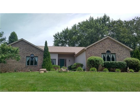5495 Walnut Grove Cir, Struthers, OH - USA (photo 1)