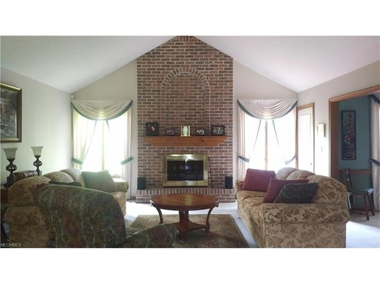 5495 Walnut Grove Cir, Struthers, OH - USA (photo 2)
