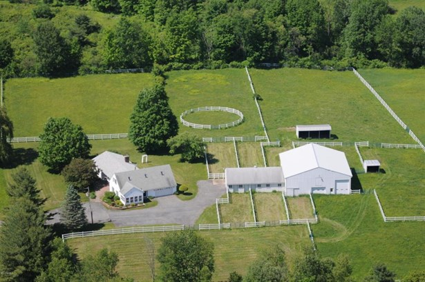 32 Bayberry, Queensbury, NY - USA (photo 1)