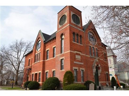 736 Main St, Vermilion, OH - USA (photo 1)