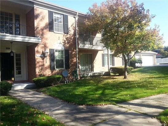 29652 Middlebelt Rd, Farmington Hills, MI - USA (photo 2)