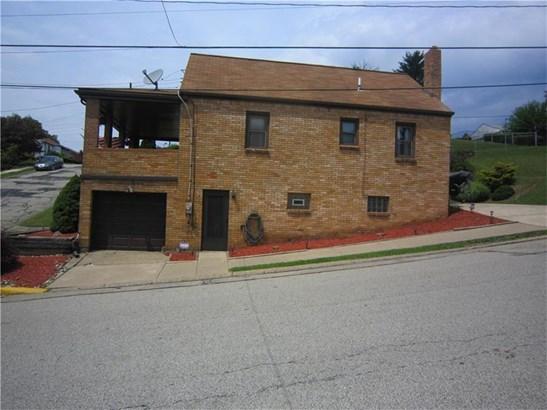 1051 Vermont Ave, Glassport, PA - USA (photo 4)
