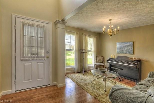 429 Carrington Ln, Broadview Heights, OH - USA (photo 2)