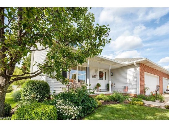 2360 Pebble Beach Se Dr, Massillon, OH - USA (photo 4)