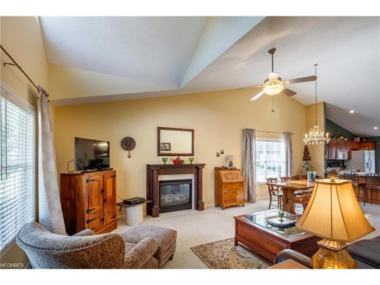 2360 Pebble Beach Se Dr, Massillon, OH - USA (photo 5)