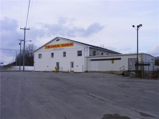 990 New Castle Road, Butler, PA - USA (photo 1)