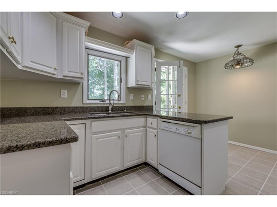 2575 Dodd Rd, Willoughby Hills, OH - USA (photo 3)
