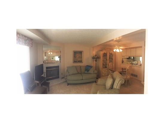 303 Murrays Lane, Castle Shannon, PA - USA (photo 4)