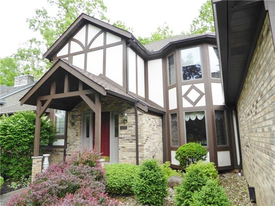 6573 Thorntree Dr, Brecksville, OH - USA (photo 2)